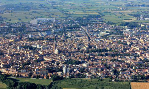 CULTURA- Alla scoperta di Cremona e delle città d'arte o i borghi vicini, senza trascurare le specialità culinarie del territorio.